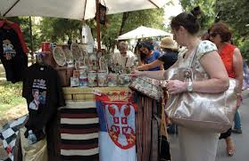 slika licitacija tezgi  u Vrnjackoj Banji