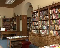 Knjige poezije se prodaju po ceni od 50 dinara