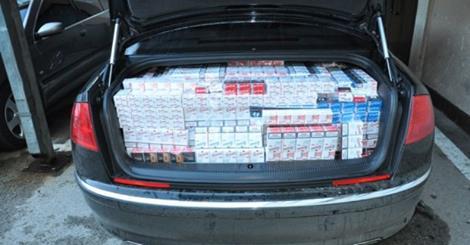 Zaplenjeno 5000 paklica cigareta